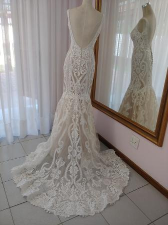 exclusive-new-wedding-dress-nr-7-back