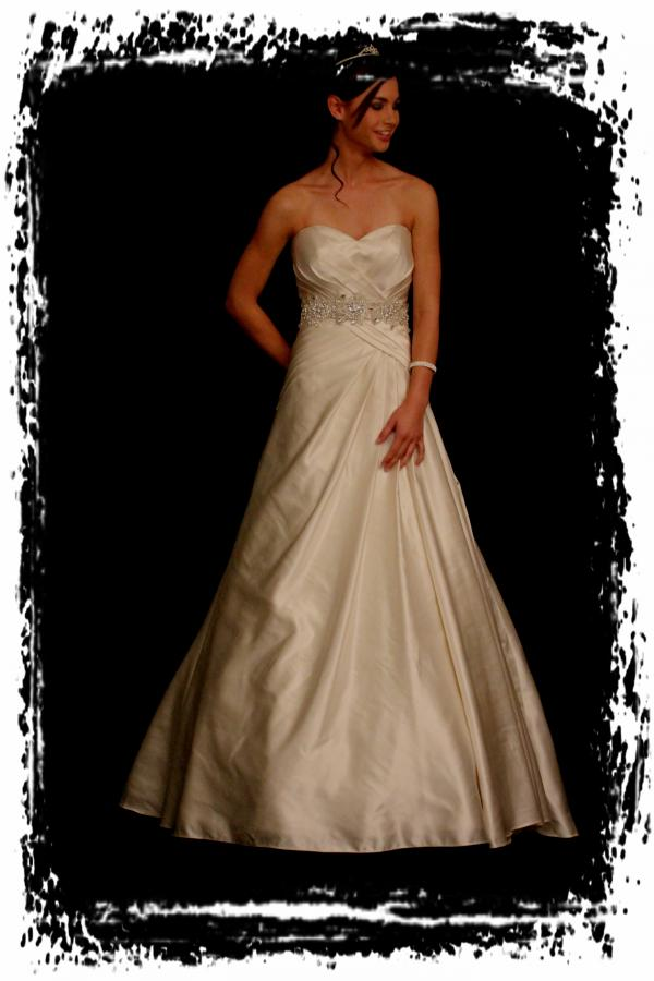 wd51y0012-wedding-dresssesgownstrourokke-