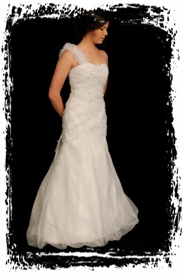 wd75ft72wa0446-wedding-dressesgownstrourokke-