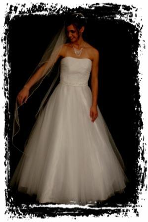 wdft20w00360-wedding-dressesgownstrourokke-