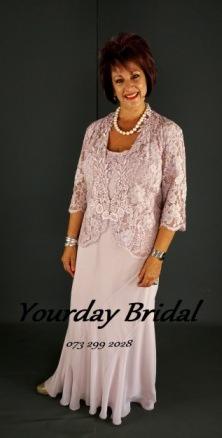 mother-of-the-bride--groom-5her24200