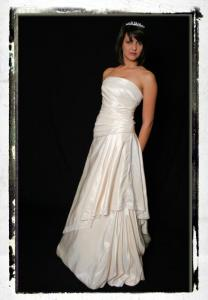 WEDDING_GOWN302677.jpg