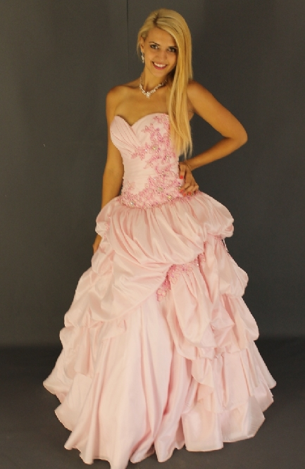 a light pink ball gown fIMG1496-4022.JPG